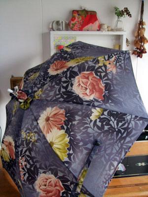 カナタツブログ@着物リメイク日傘製作実例…黒が一枚入る事で印象が異なります。