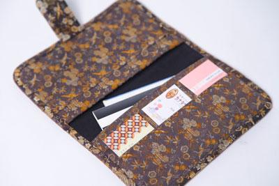 着物リメイクブログ@着物・帯リメイクの通帳入れや財布に関して
