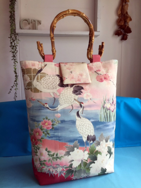 訪問着リメイクの竹の持ち手バッグ 青森のお客様もお気軽に!