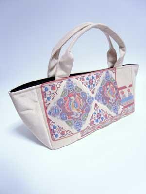 相良刺繍帯のリメイク実例 渋谷のお客様もお気軽にご相談下さい。