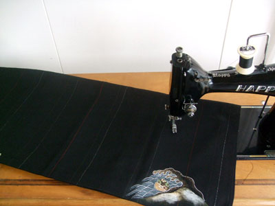 留袖リメイクボレロから「着物を活かす」リメイクを考察。