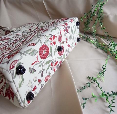 『箱を開けたら、宝箱のように次々出てきました。』…お客様に頂いた着物リメイクご感想と製作実例