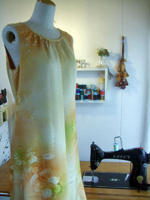 着物リメイクワンピース…サンプルから型紙を製作しています♪