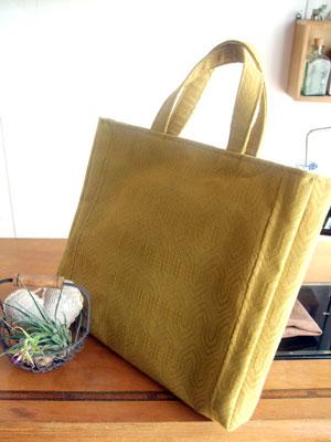 帯リメイクでハンドバッグを製作しました。