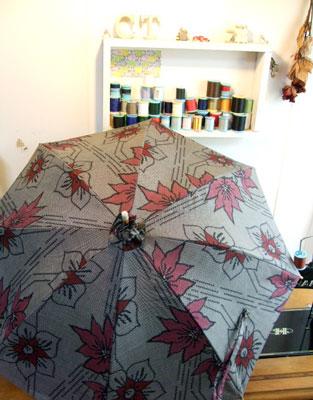 着物リメイクマフラーと日傘を2点づつ納品させて頂きました。