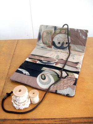 製作実例@古い狛犬柄の着物生地から3つ折り財布をリメイク!