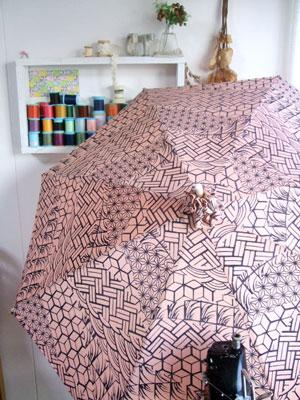 着物リメイクの日傘の作り方。同じ着物からでもアイデア次第で…