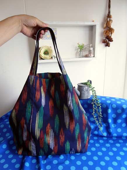 着物リメイクバッグ…柔らかく作ったり、硬く作ったり。